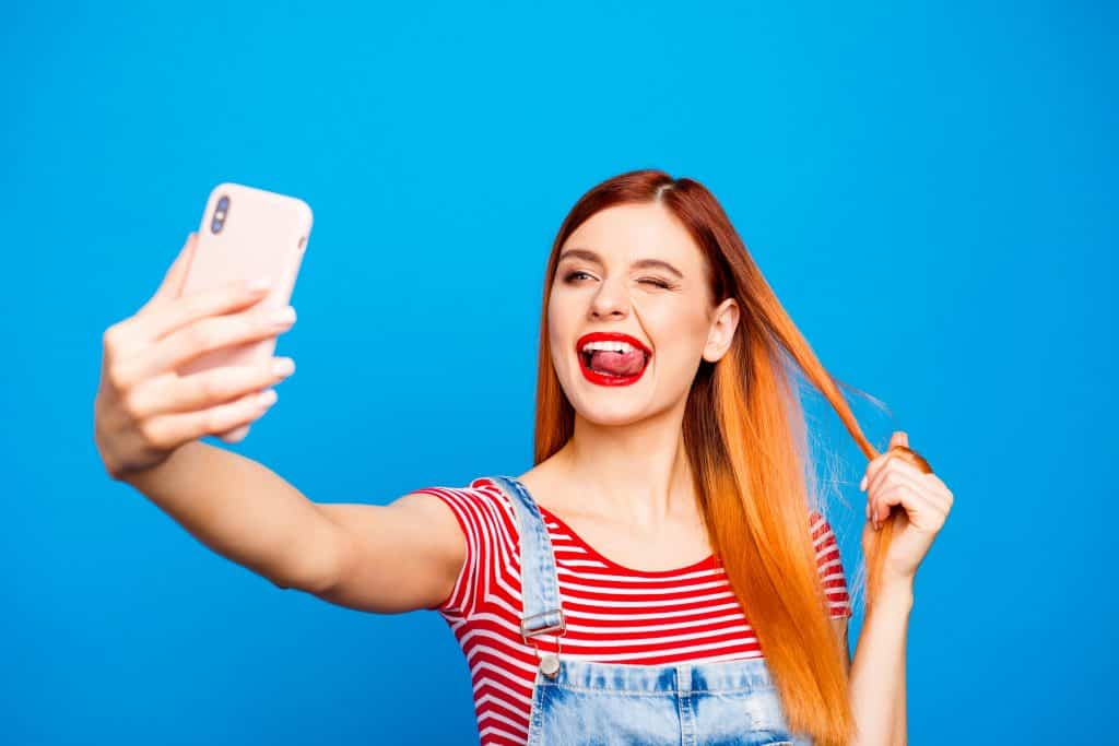 What is an instagram influencer? Is it just someone with a camera and a selfie-addiction? Check out this short explanation with video. #influencer #instagraminfluencer #BeDiscoverable #BeApp